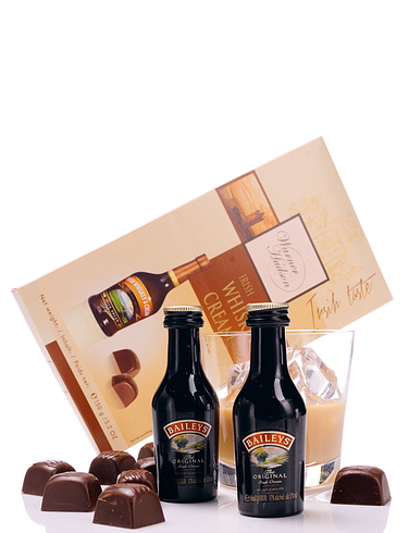 Liqueur and Chocolate Set